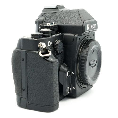 Nikon DF Black x755
