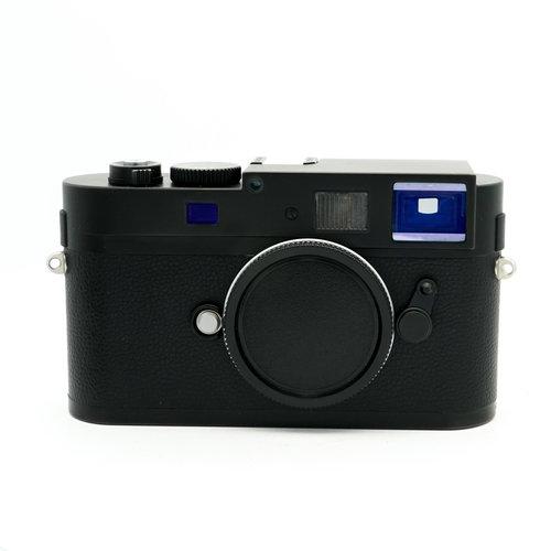 Leica Monochrome Black Chrome (CCD)