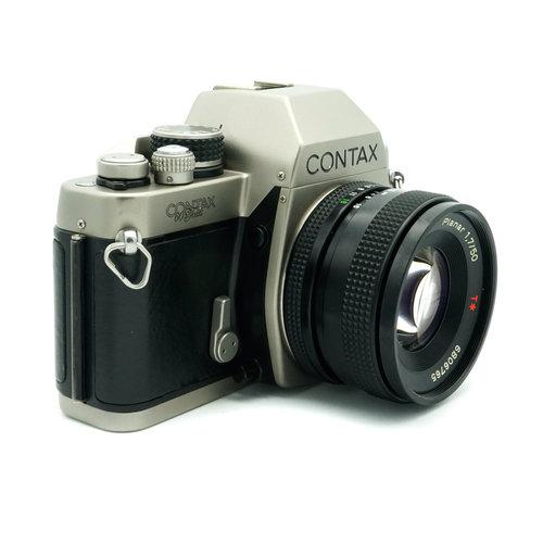Contax S2 + 50mm f/1.7 Planar T* x855