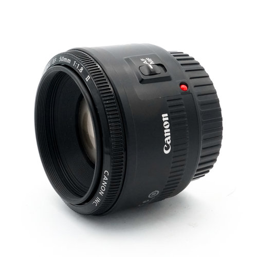 Canon EF 50mm f/1.8 MkII
