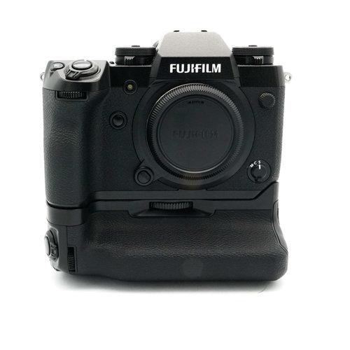 Fuji X-H 1 + VPB-XH1 Grip