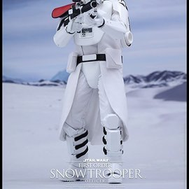 Hottoys Star Wars - Episode VII: First Order Snowtrooper Officer 1:6 figure