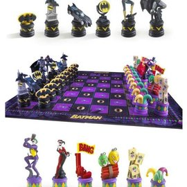 Batman Chess Set (Batman Vs Joker)