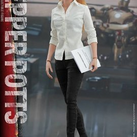 Sideshow Iron Man 3: Pepper Potts - Sixth Scale Figure