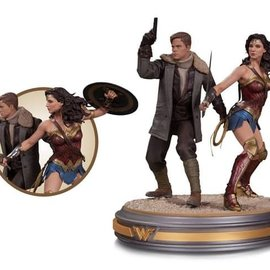 Diamond Direct Wonder Woman Movie: Wonder Woman & Steve Trevor Statue
