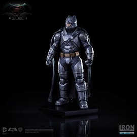 Iron Studio Iron Studio - Batman vs Superman Dawn of Justice: Armored Batman 1:10 scale