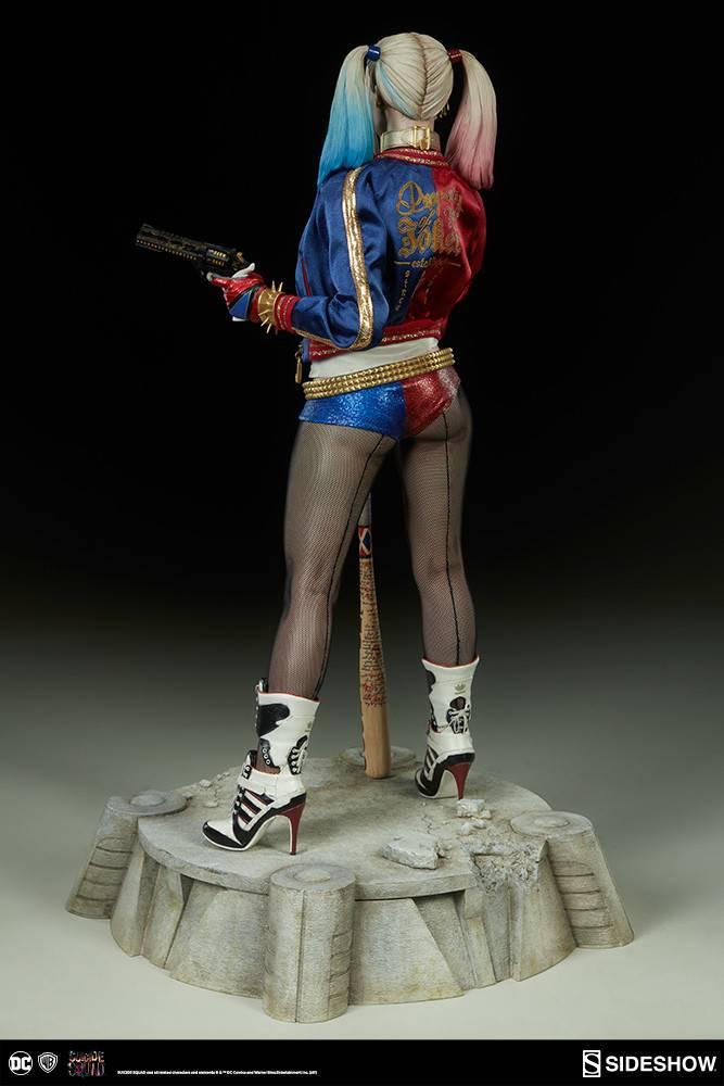 Suicide Squad: Harley Quinn Premium Format Statue
