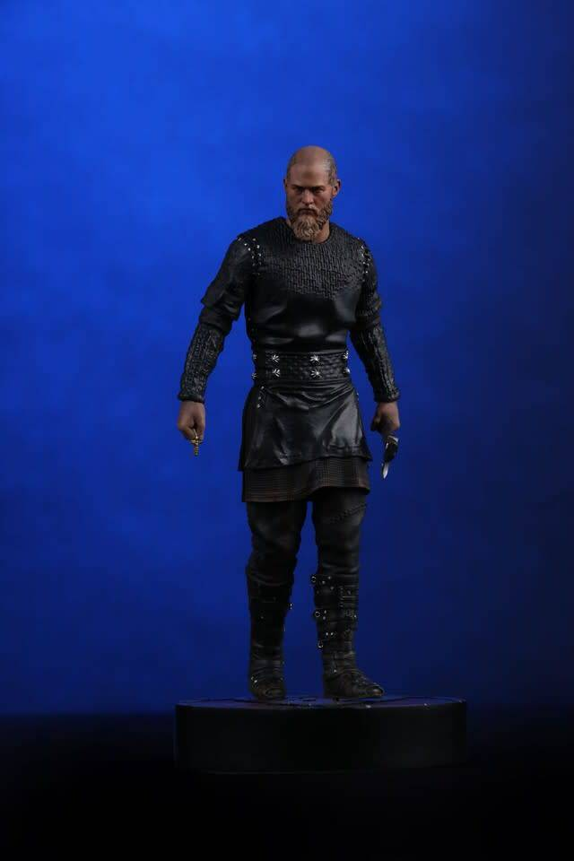 Chronicle Collectibles Pre-order Vikings: King Ragnar 1:9 Scale Statue