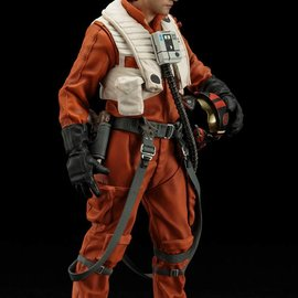 Kotobukiya Star Wars The Force Awakens: Poe Dameron and BB-8 ARTFX+ PVC Statue