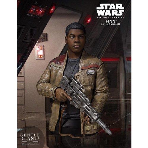 Gentle Giant Star Wars: Finn 1:6 Scale Figure Mini Bust