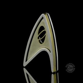 Quantum Mechanix Star Trek Beyond Magnetic Insignia Badge Science