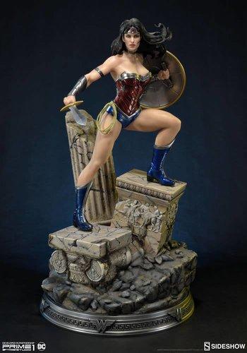DC Comics: Wonder Woman - New 52 Statue