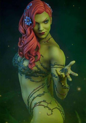 DC Comics: Poison Ivy Premium Statue