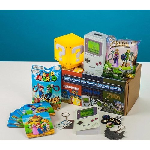 Paladone Nintendo: Ultimate Merch Crate