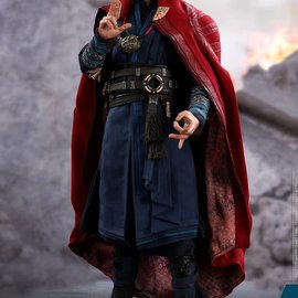 Hottoys Marvel: Avengers Infinity War - Doctor Strange 1:6 Scale Figure