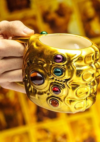 Marvel: Avengers Infinity War - Infinity Gauntlet Shaped Mug