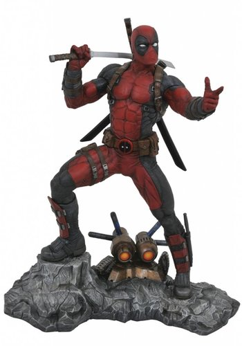 Marvel Premier Collection: Deadpool Resin Statue
