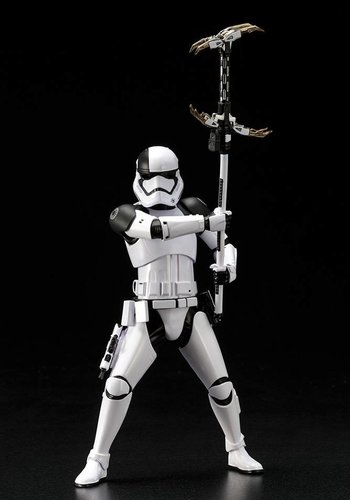 Star Wars: First Order Stormtrooper Executioner Artfx+ PVC Statue
