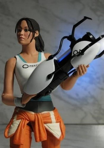 Portal: Chell 7 inch Action Figure with Light-Up ASHPD