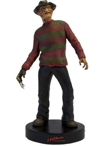 Nightmare on Elm Street: Freddy Krueger Motion Statue