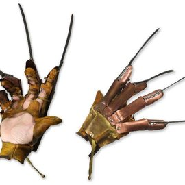NECA Nightmare on Elm Street 1984: Freddy Glove Replica