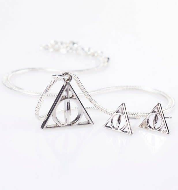 The Carat Shop HARRY POTTER DEATHLY HALLOWS NECKLACE AND STUD EARRING SET