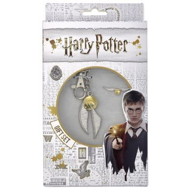 The Carat Shop HARRY POTTER GOLDEN SNITCH KEYRING AND PIN BADGE SET