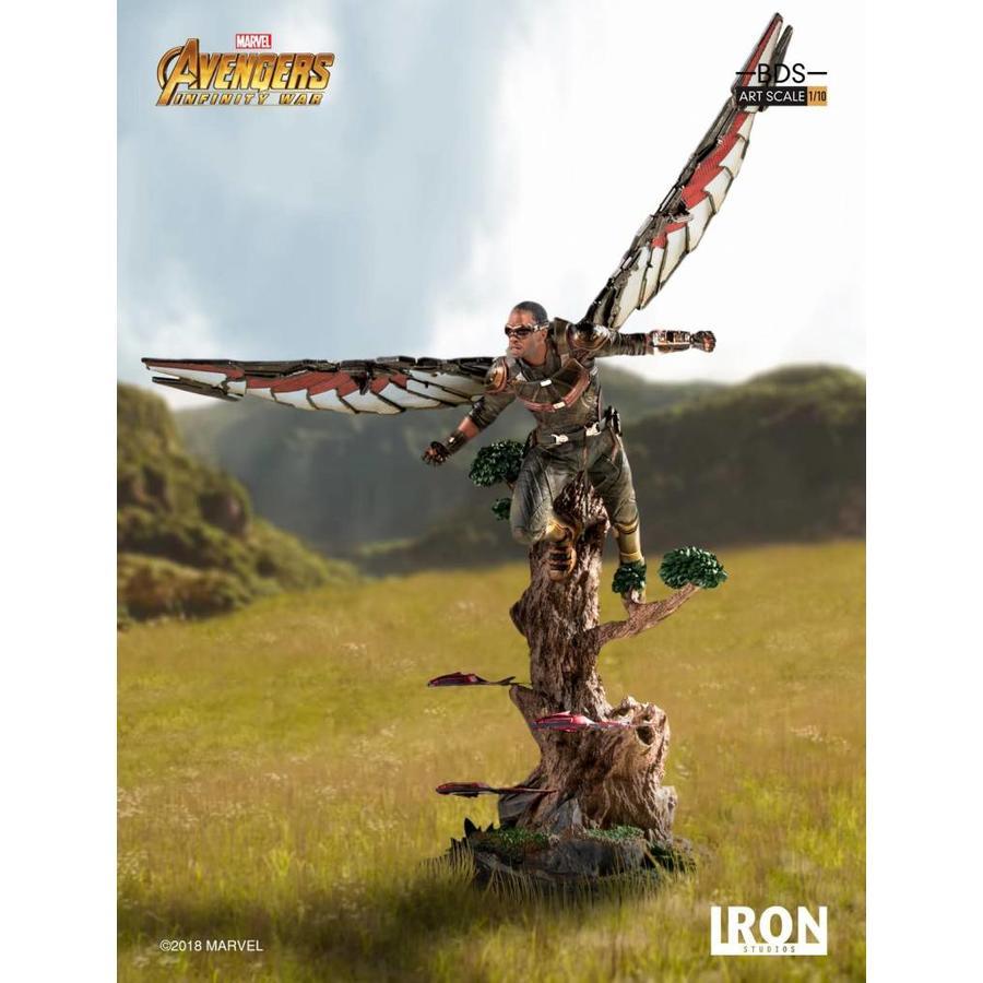 Marvel: Avengers Infinity War - Falcon 1:10 Scale Statue