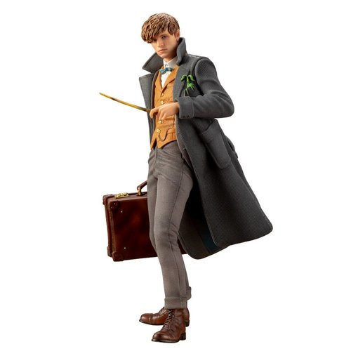 Kotobukiya Harry Potter: FB2 - Newt Scamander Artfx+ 1:10 Scale PVC Statue