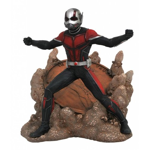 Diamond Direct Marvel Gallery: Ant-Man and The Wasp Movie - Ant-Man PVC Figure