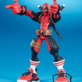 Sideshow Toys Marvel: Super Heroes in Sneakers - Deadpool - Wade Vinyl Figure