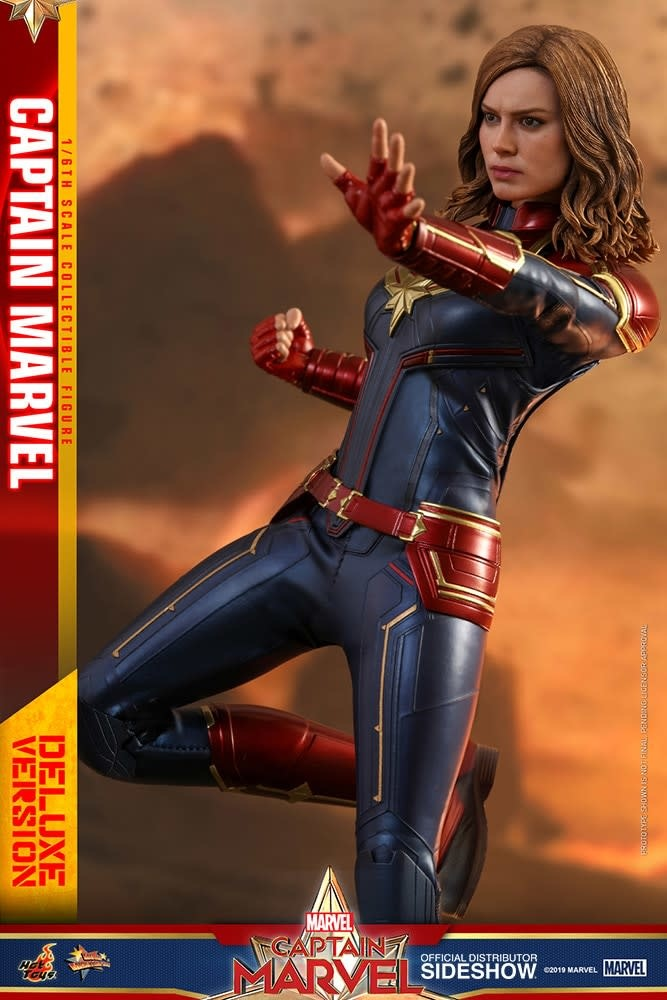 Hot toys Marvel: Deluxe Captain Marvel 1:6 Scale Figure