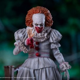 Iron Studios IT: Deluxe Pennywise 1:10 Scale Statue