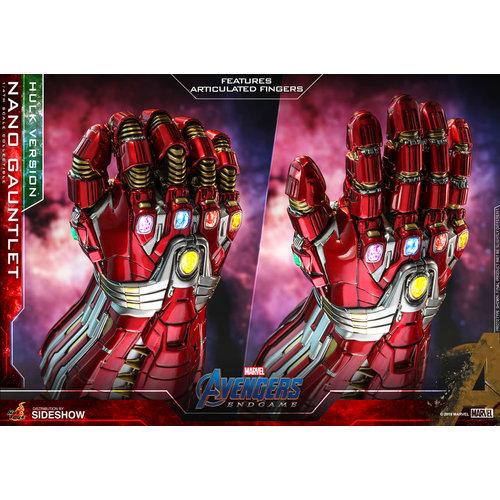 Sideshow Toys Marvel: Avengers Endgame - Hulk Version Nano Gauntlet 1:4 Scale