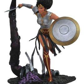 Diamond Direct DC Comics Gallery: Metal Wonder Woman PVC Figure