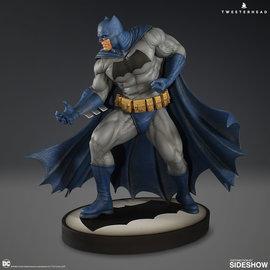 Sideshow PRE ORDER: DC Comics: Dark Knight Batman 12.5 inch Maquette