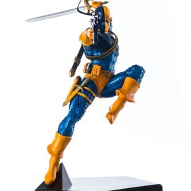 Iron Studios DC Comics: Deathstroke 1:10 Scale Statue