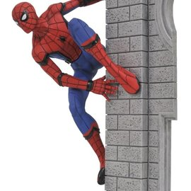 Diamond Direct Marvel Gallery: Spider-Man Homecoming PVC Figure