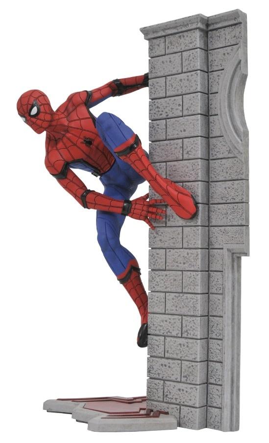 Diamond Direct Marvel Gallery: Spider-Man Homecoming PVC Figure