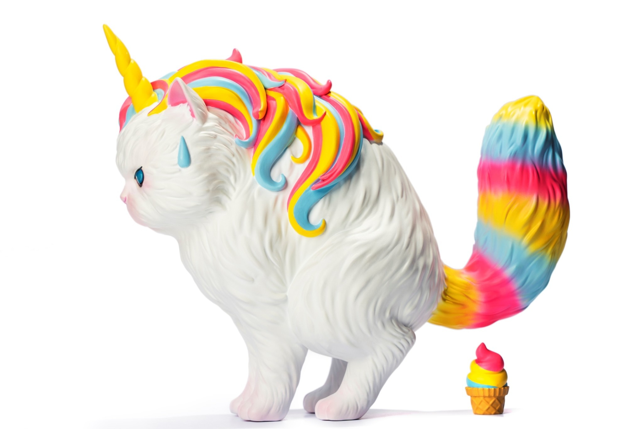 soap studios pre order:  Strange Cat Family: Unicat - Rainbow Ice Cream 15 cm Vinyl Figure