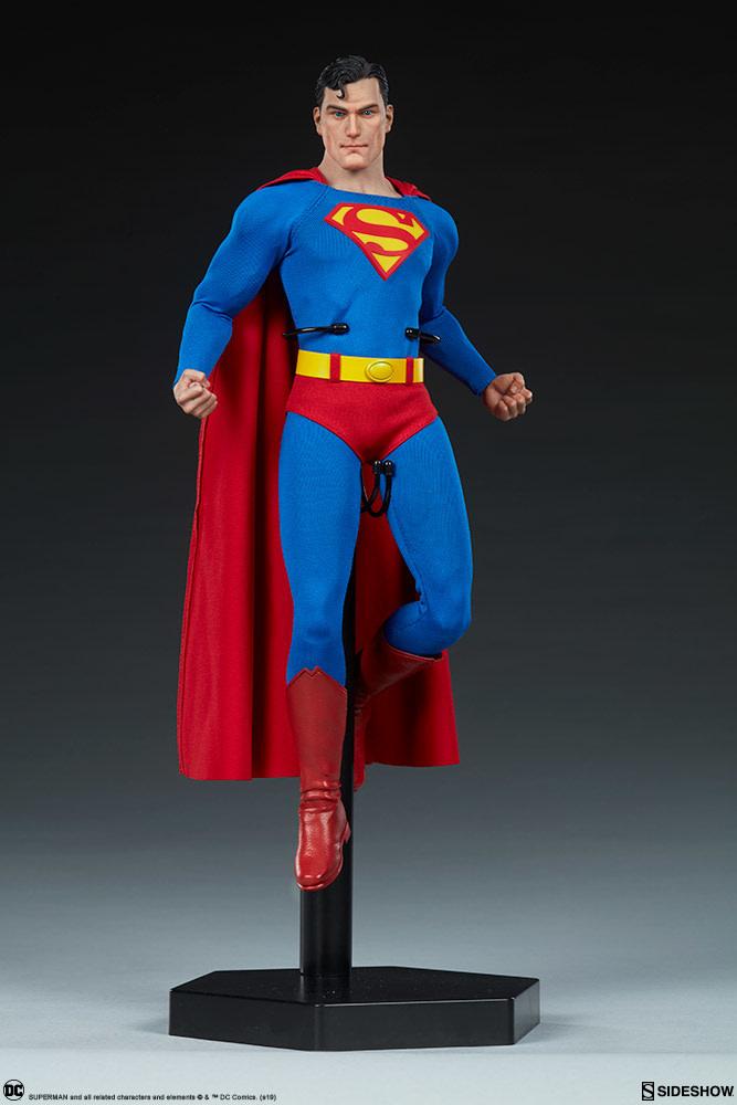 Sideshow pre order: DC Comics: Superman 1:6 Scale Figure