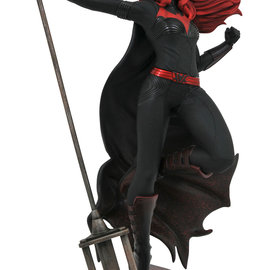 Diamond Direct DC Comics Gallery: Batwoman PVC Figure