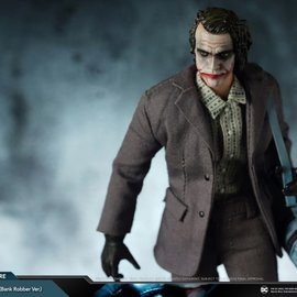 soap studios DC Comics: The Dark Knight - Joker 1:12 Scale Action Figure