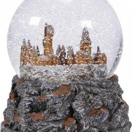 Half Moon  Bay Harry Potter Snow Globe - Hogwarts Castle