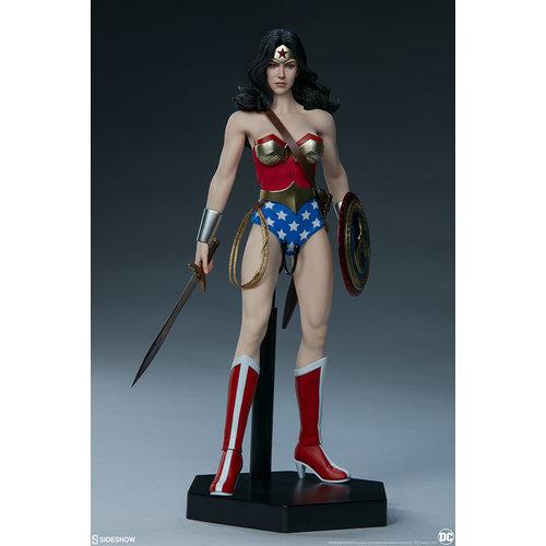 Sideshow Toys Pre order: DC Comics: Wonder Woman 1:6 Scale Figure