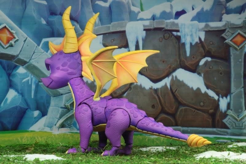NECA Spyro the Dragon: Spyro 7 inch Action Figure