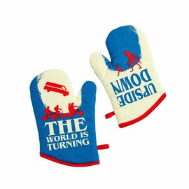 FUNKO Stranger Things: Upside Down Oven Glove Set