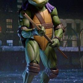 NECA TMNT: 1990 Movie - Donatello 1:4 Scale Figure