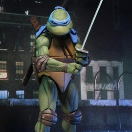 NECA TMNT: 1990 Movie - Leonardo 1:4 Scale Figure