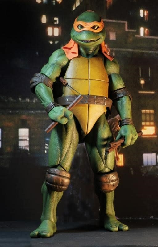 NECA TMNT: 1990 Movie - Michelangelo 1:4 Scale Figure
